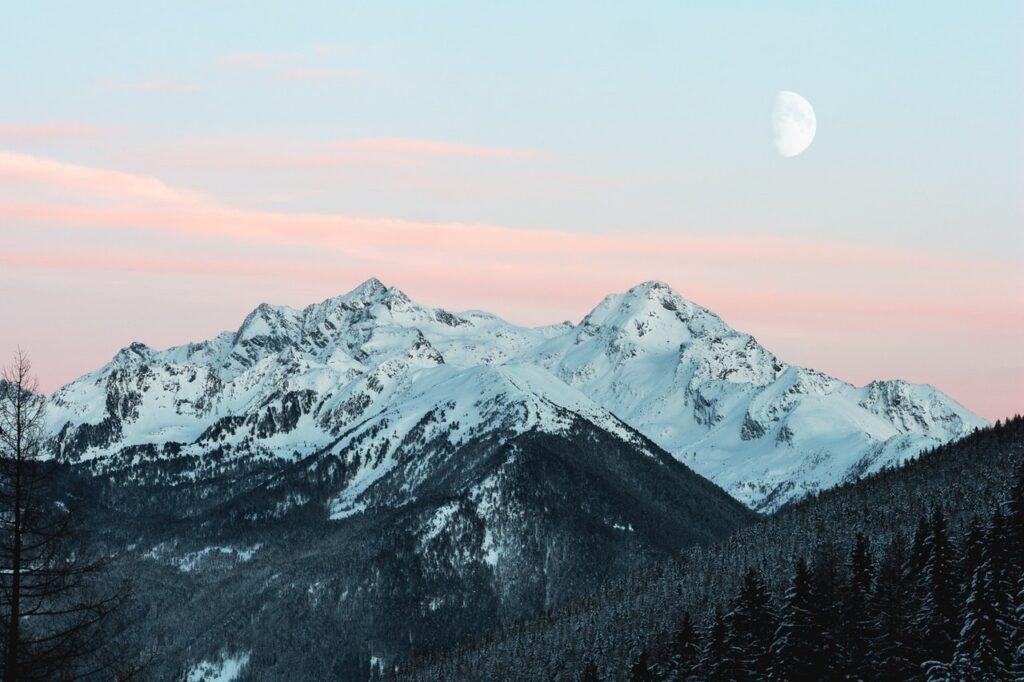 snowy mountain 1287145